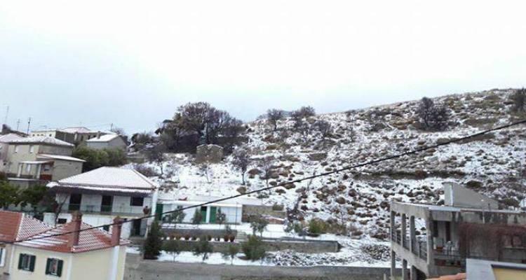 Έπεσαν τα πρώτα χιόνια στη Λήμνο (photos)